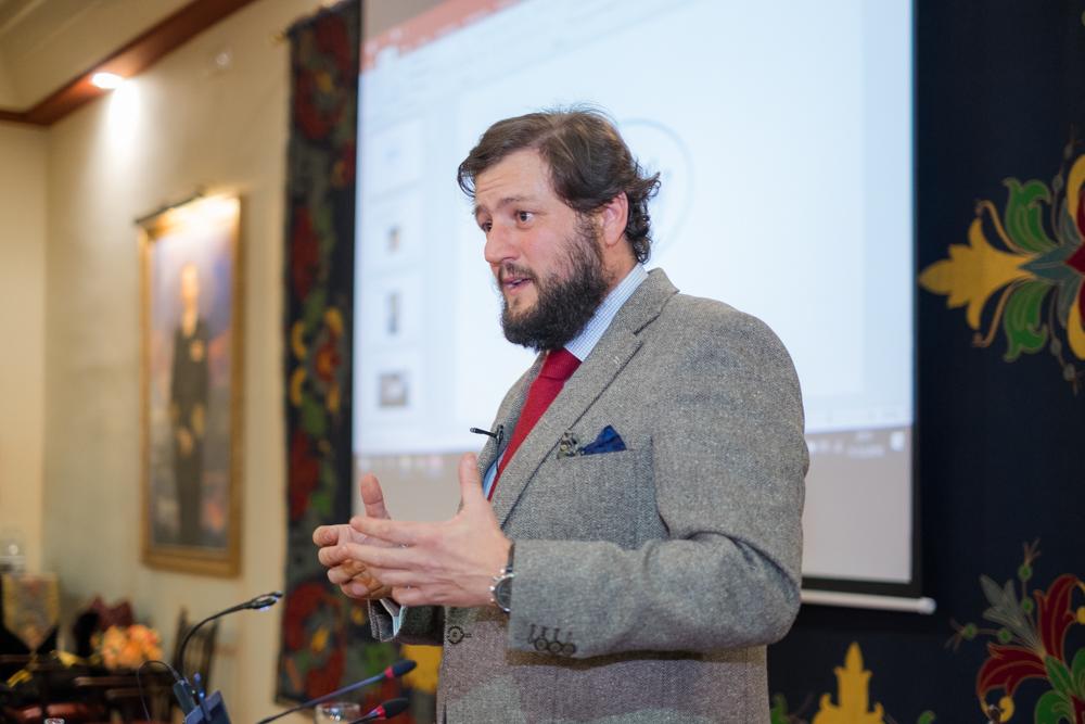 El Real Círculo de Labradores acogió la primera conferencia del ciclo 'El caballero del S.XXI, ser un señor y parecerlo'